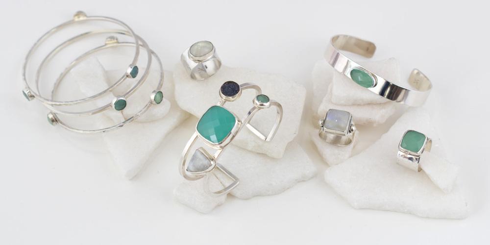 silver_bracelets_chalcedony_moon.jpg