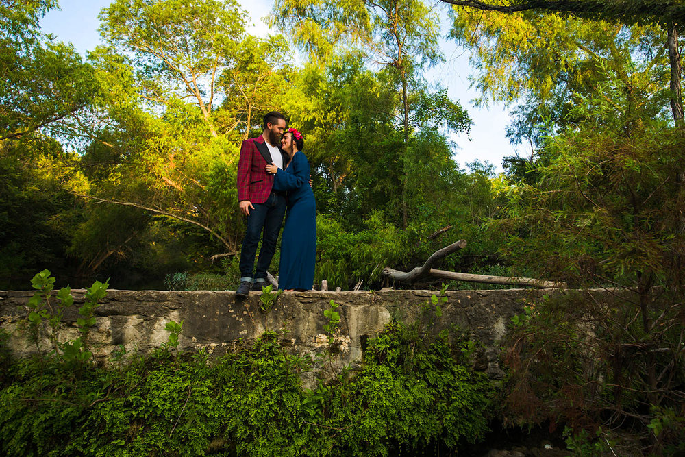 engagement-outdoor-waterfall-nature-10.jpg