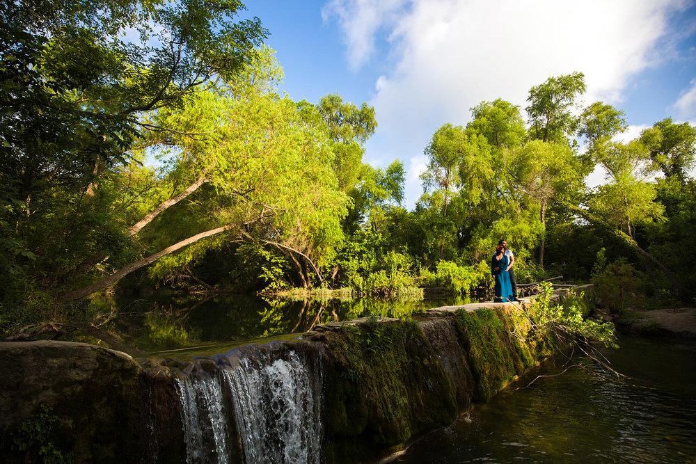 engagement-outdoor-waterfall-nature-22.jpg