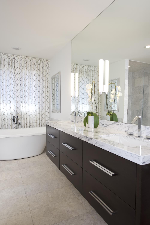 Bath Mirror.png
