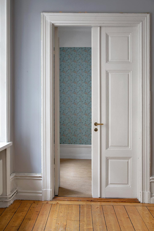 Dessa pardörrar var nog vad jag förälskade mig i först! // These double doors were probably the first thing that caught my eye!