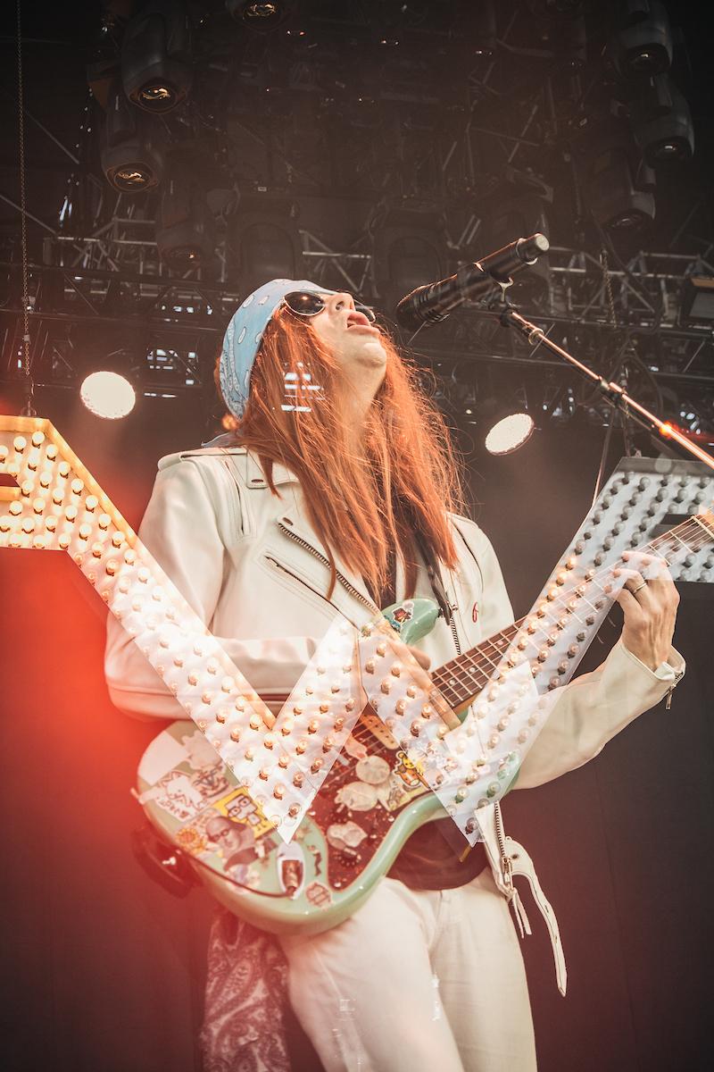 Image courtesy of Arroyo Seco Weekend, Weezer (N' Roses) performing!