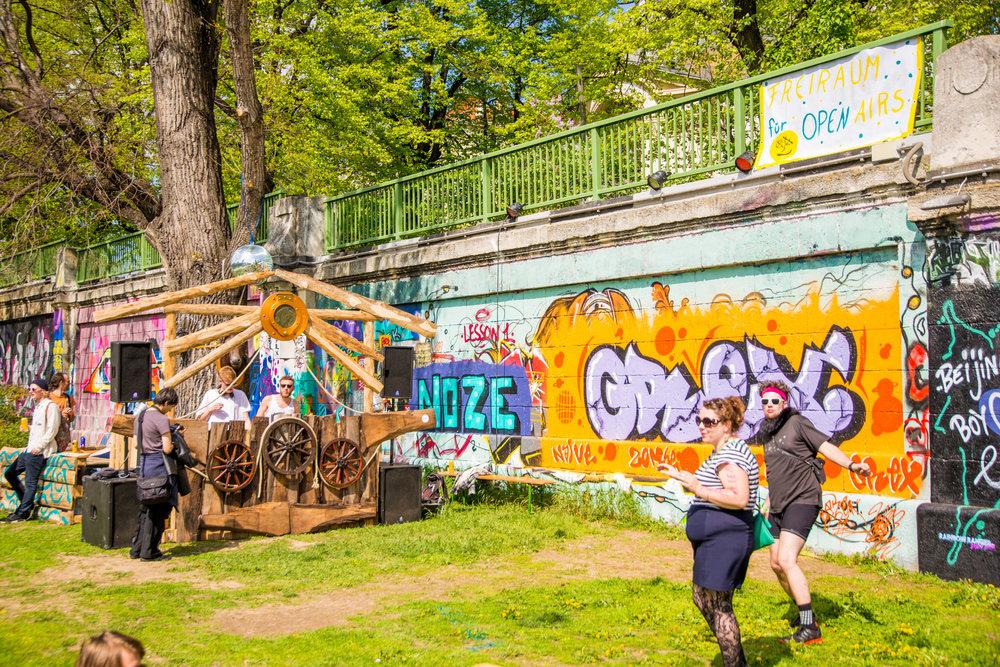 bloom party event app spontan openair berlin wien wiener frühling techno -6.jpg
