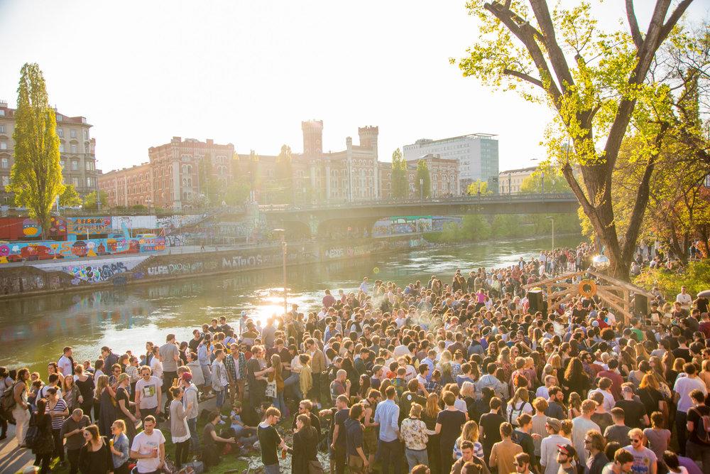 bloom party event app spontan openair berlin wien wiener frühling techno -38.jpg
