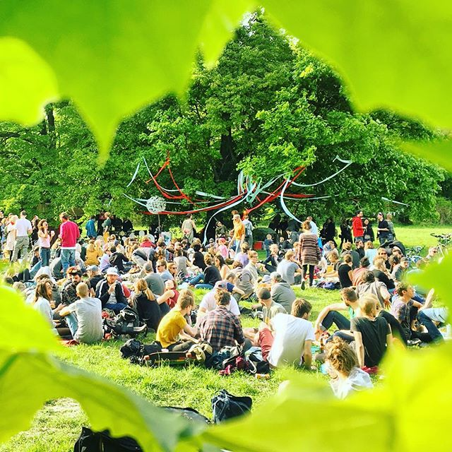 Tanz durch den Tag secret Open Air 🐿 @tanzdurchdentag #tddt #tanzdurchdentag #bloom#bloomapp #openair #rave #freeopenair #freeparty #aufwindfestival #igersvienna #outdoorlovera #naturelovers #wien #vienna #wonderlustvienna
