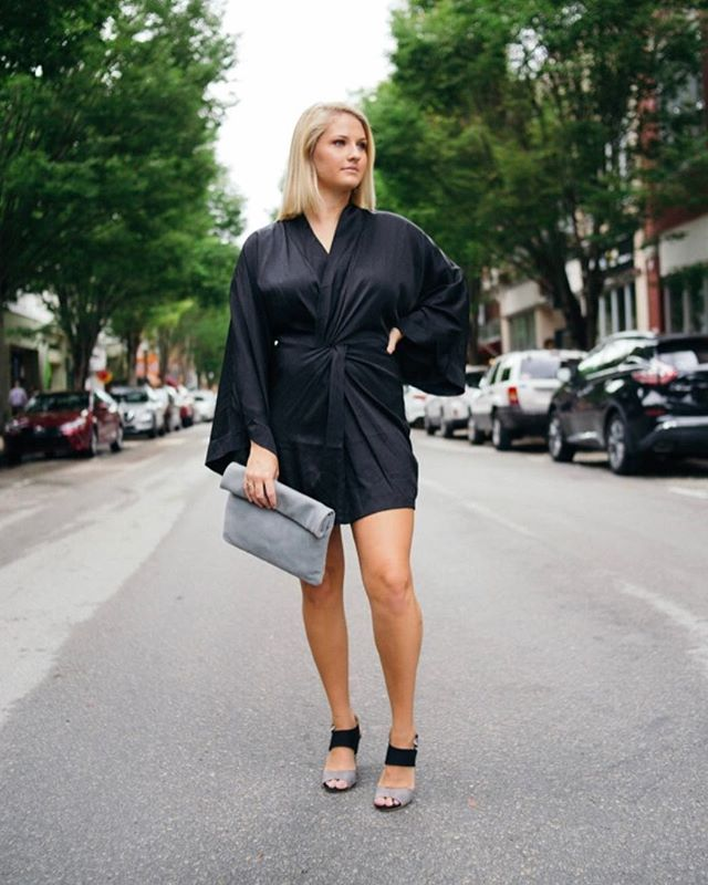 Sleek Friday Vibes in our new kimono mini ✨🌙✨ • • • #kimono #friday #tgif #weekend #love #sleek #dress #lbd #mini #style #fashion #instagood #need #fashionista #ootd #style