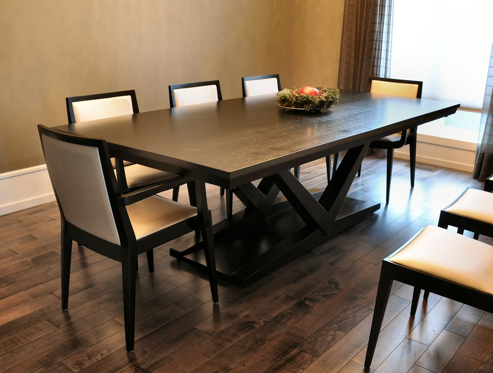 Contemporary Mercury Table in African Sapele wood with Flame chairs.