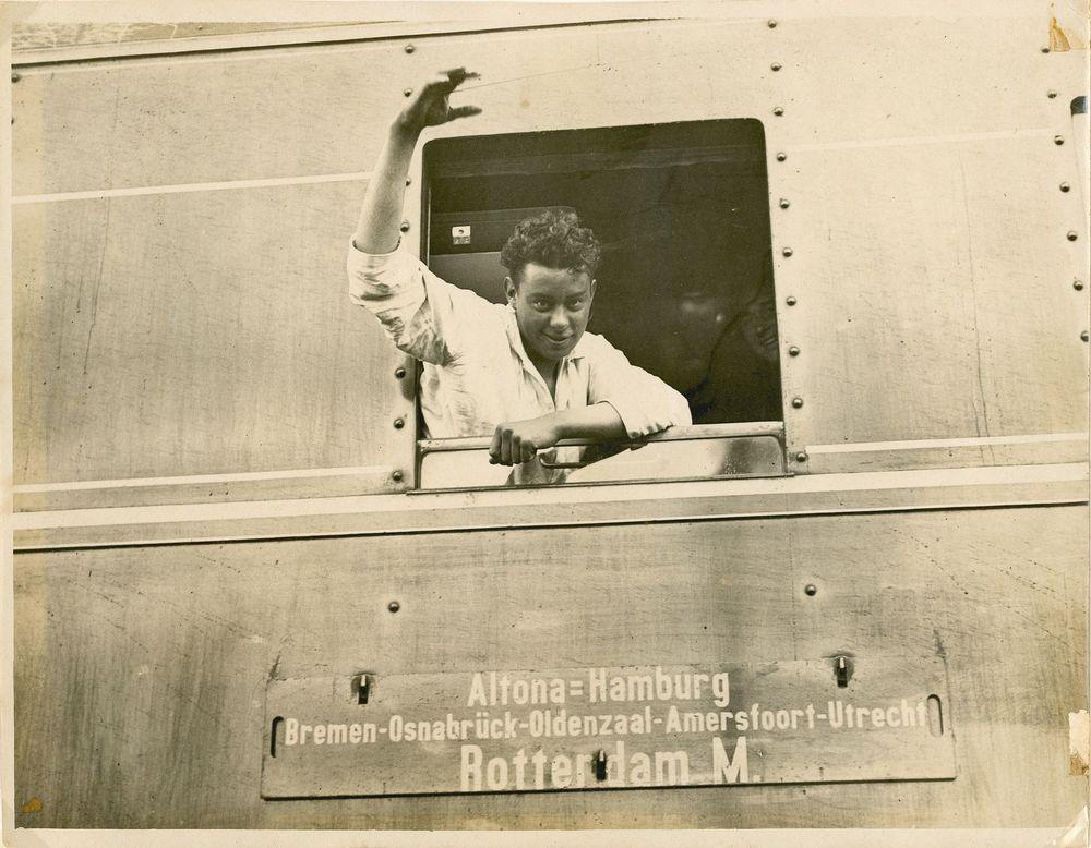 aankomst Nederlandse poolheld Sjef van Dongen Spitsbergen 1928 boek biografie