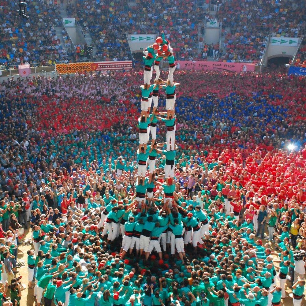 concurs-castello-human-tower-tarragona-spain-woe1-1050x700.jpg