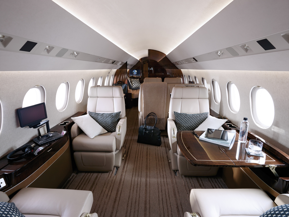 117_Falcon900LX_2015USB49_HD (1).jpg