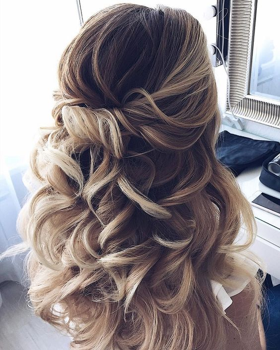 This one isn't really my style (my hair would be as big as me if I did this), but it is absolutely gorgeous!!