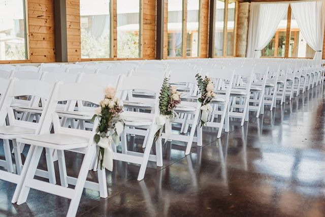 We love the way this beautiful photo from @samanthakphoto really captures the airy feel of the chapel⛪ 💕 - - -  #brightstarranch #brightstartx #texaswedding #texasweddingvenue #wedding #chapel #engagement