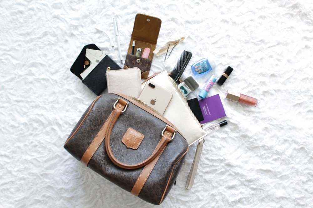 c7878e9b4ed9 What s in My Bag - 2018 — The Trendy Files - Fashion