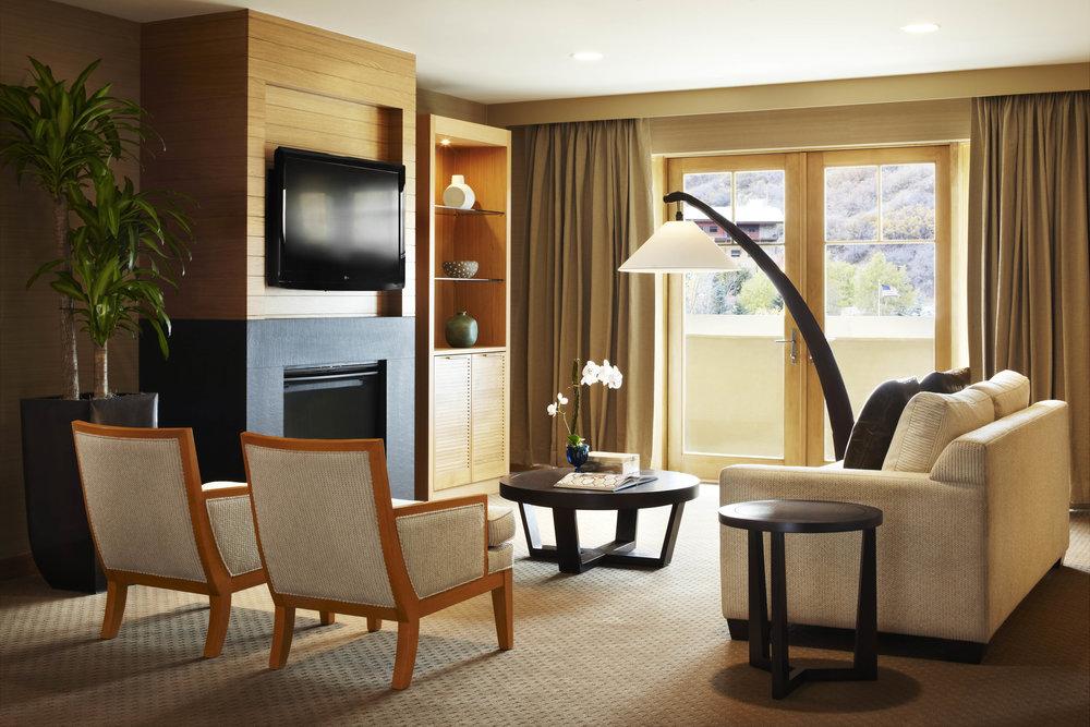 viceroy_livingroom.jpg