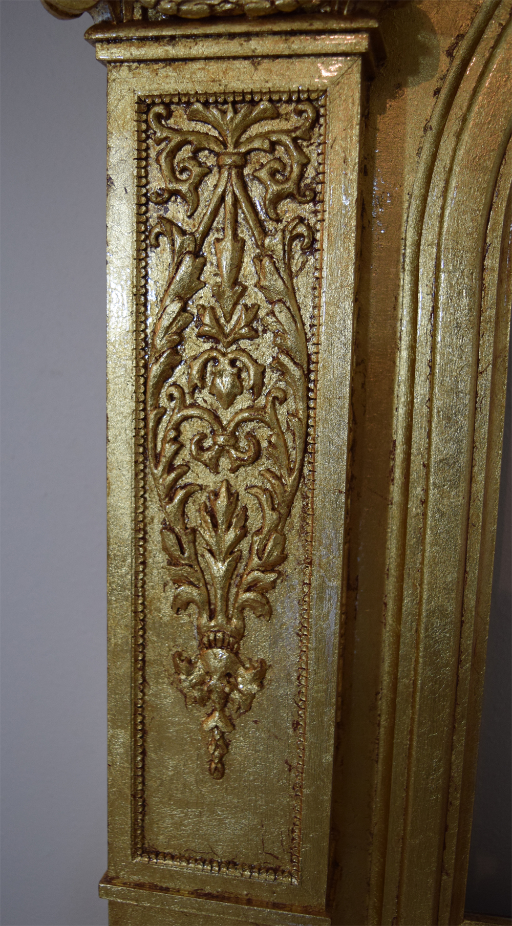 Detail of the front panel ornament.