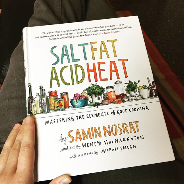 So excited about this new book! I've gotten lazy over the past few years (cooking for one is so much work) and as a result, I've lost my edge on technique and pairing flavors. But this lovely tome by @ciaosamin has me curious to get back in the kitchen, and I've long been a fan of @wendymac art.  #saltfatacidheat