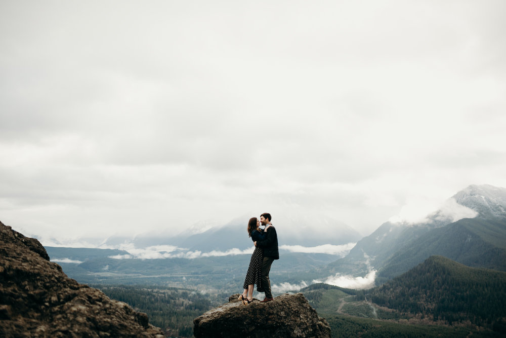 RattlesnakeLedge.SeattleEngagement-1.jpg