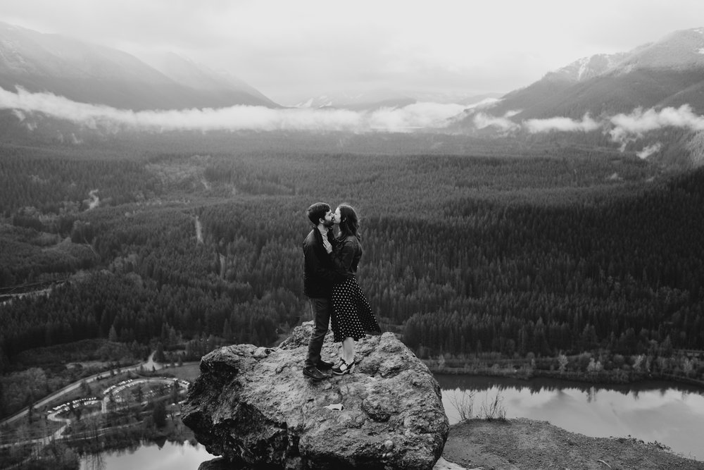 RattlesnakeLedge.SeattleEngagement-13.jpg