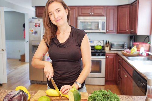 Erin Holt - Our holistic nutritionist, will lead challengers through a nutrition program, focusing on a different topic each week. Erin will help participants work through underlying issues with food, heal disordered relationships with eating and help participants learn how to listen to their bodies again and fuel themselves with food. Erin is a holistic nutritionist who specializes in eating to heal chronic illness and autoimmune disease. In addition to the weekly nutrition topics, Erin will provide Live Facebook videos each week where you can get questions answered and receive guidance. She will moderate a private Facebook group for all challengers to connect, share information and ask questions. Stop dieting forever and start eating.