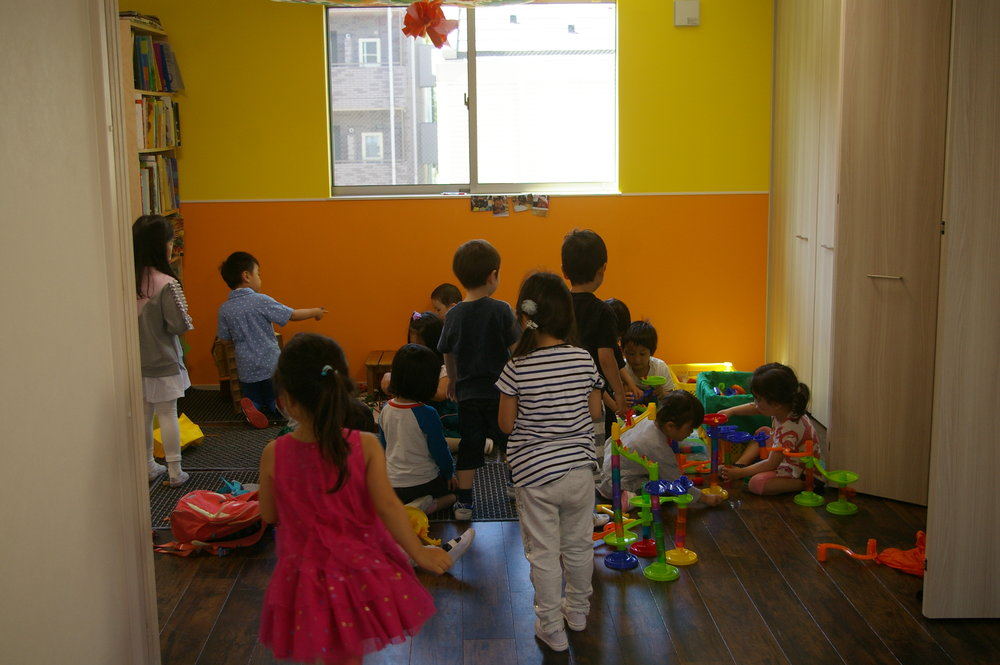 Free Play Time自由遊びの時間 - 3~6 year olds mix and mingle3〜6歳児が一緒に遊びます