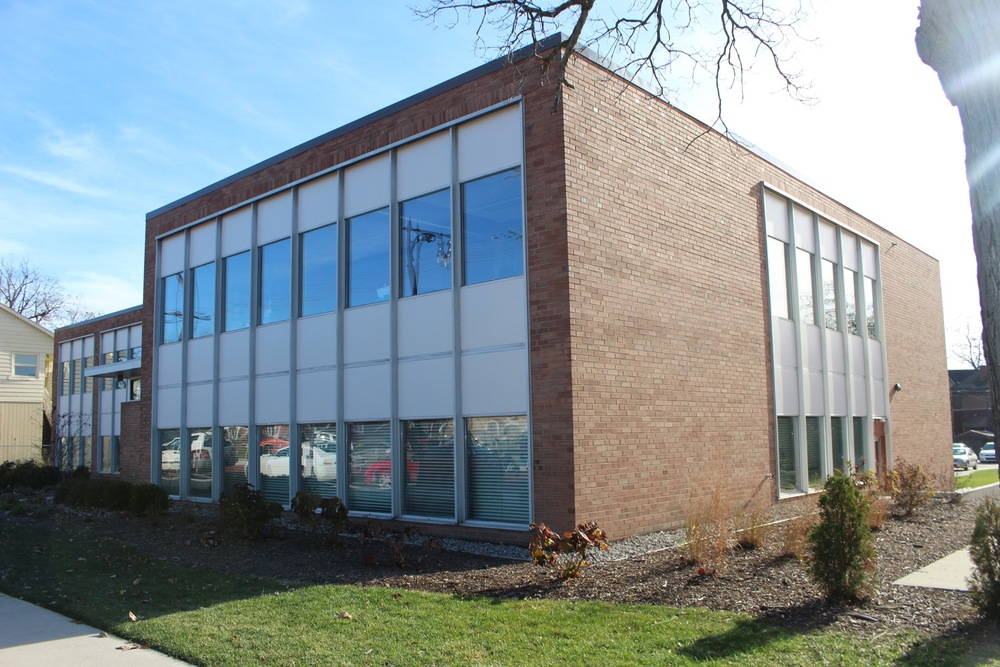 822 CHERRY SE - OFFICE BUILDING