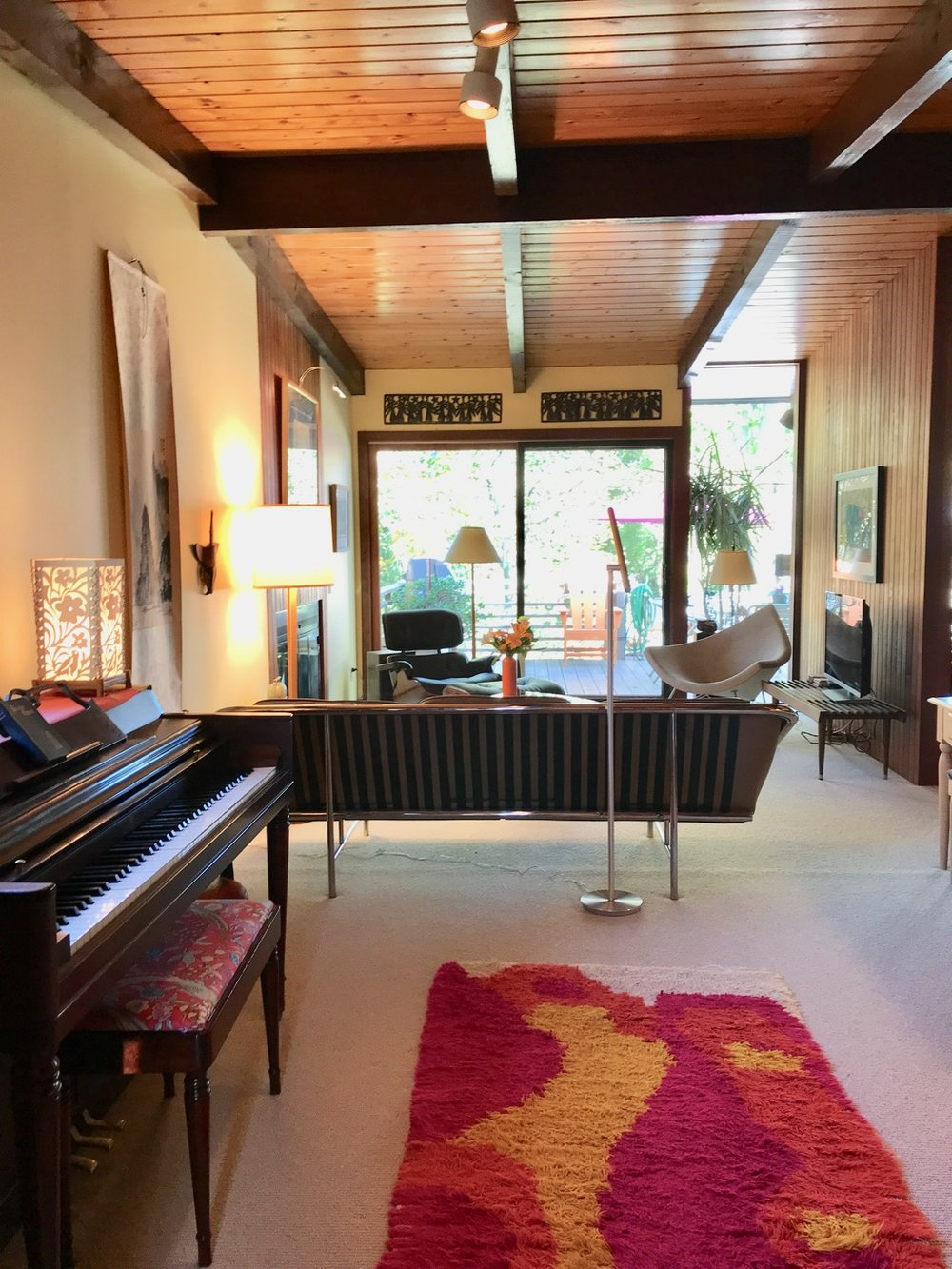 LIVING ROOM WITH PIANO.jpg