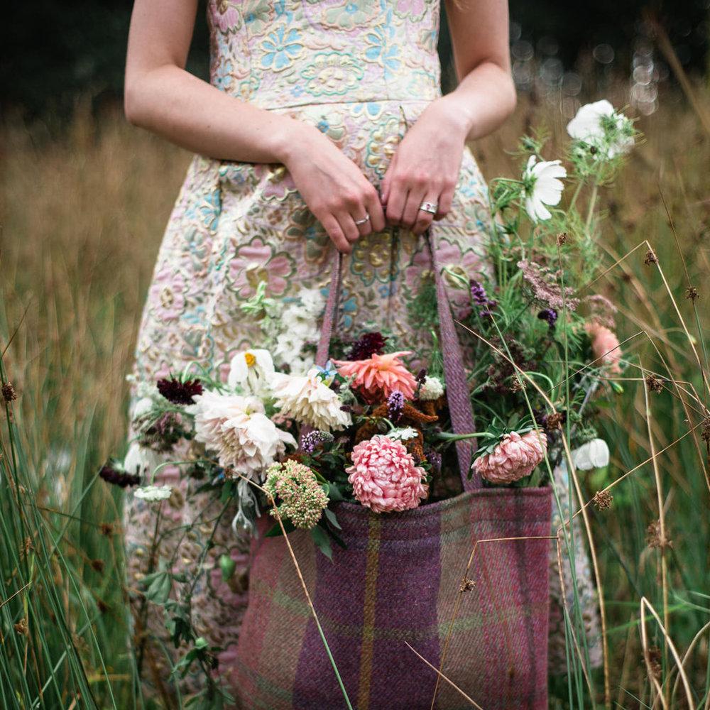 Well Travelled Bride Scottish Highlands Scotland Wedding Flowers