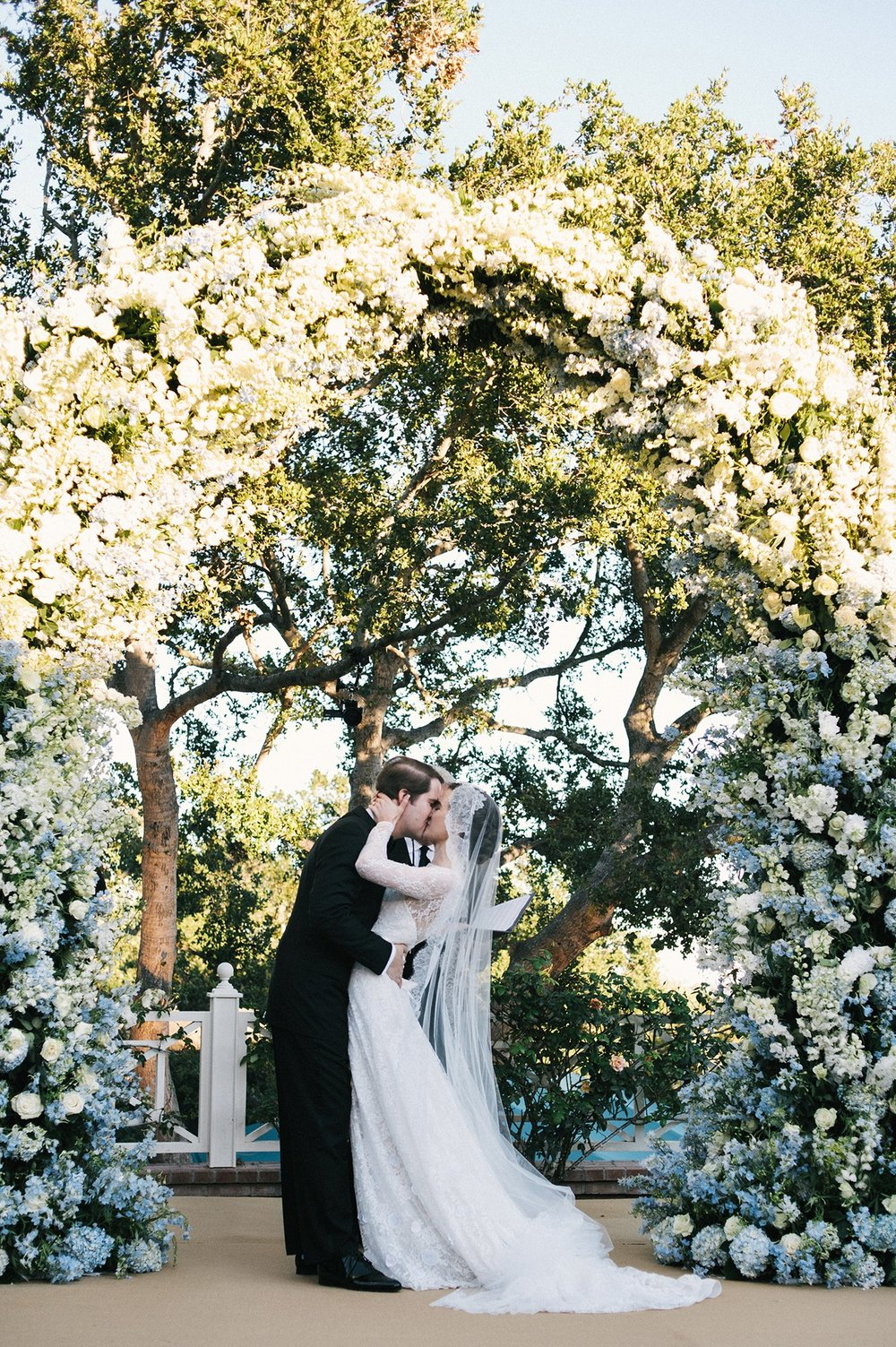 Well Travelled Bride Lauren Gaba and Bria Flanagan Wedding