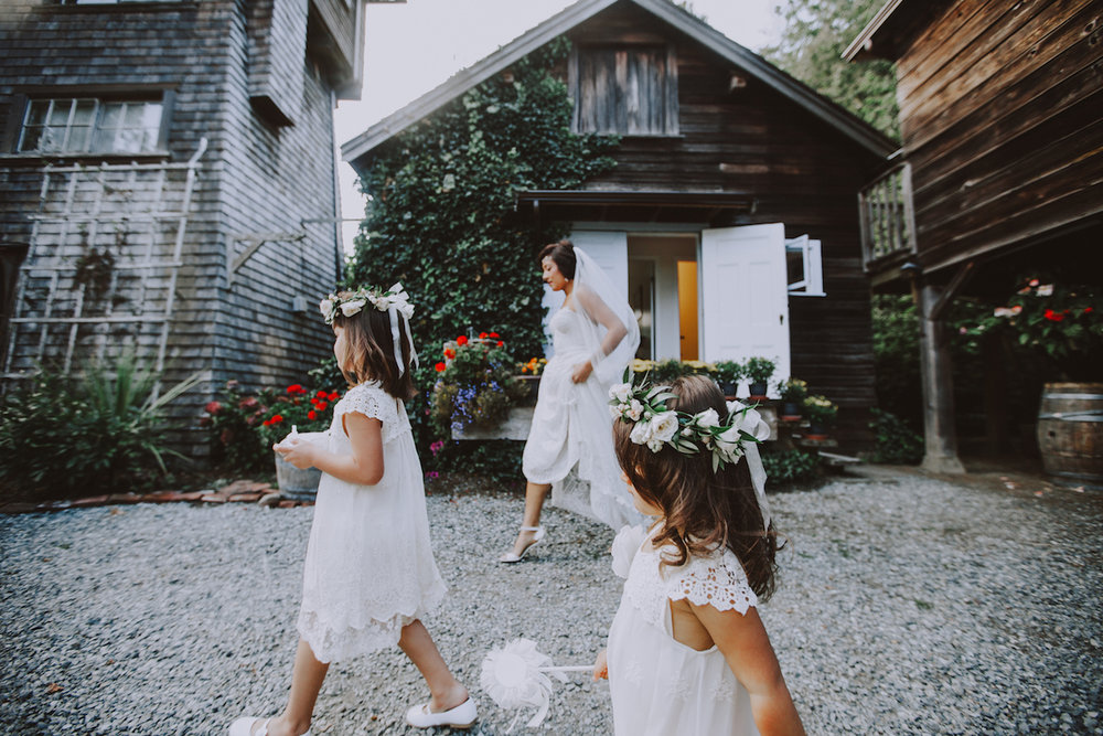 Well Travelled Bride Destination Wedding Photographer Sambajoy Flower Girls.jpeg