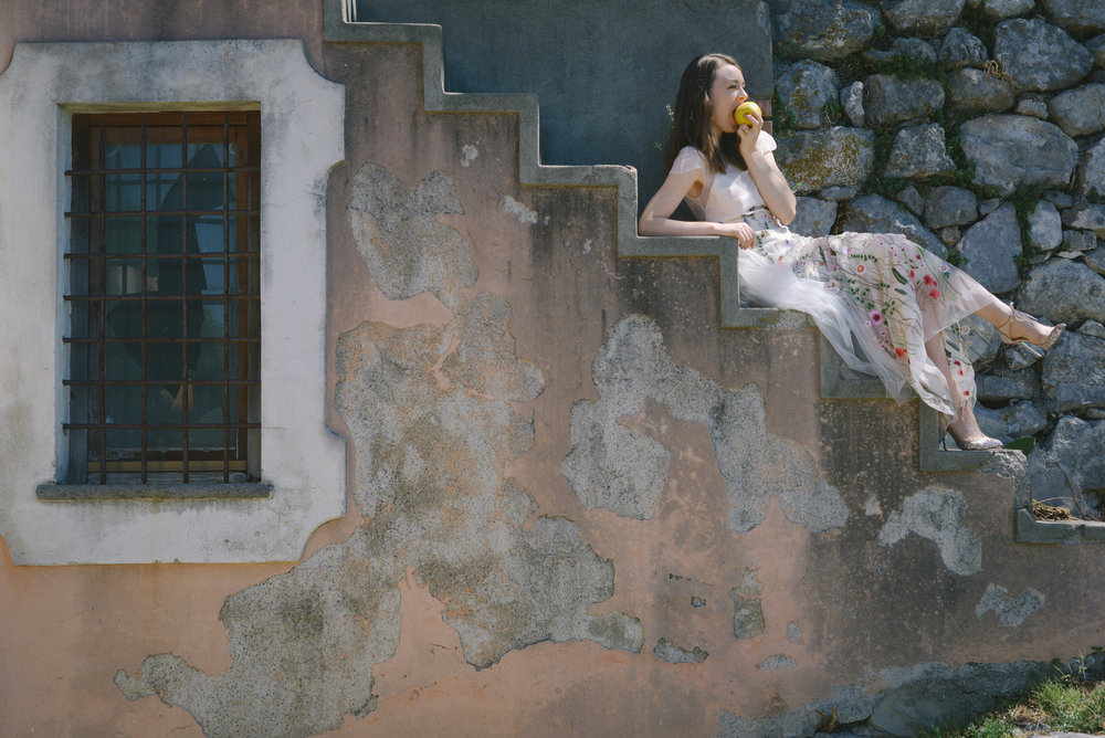 Well Travelled Bride Amalfi Elopement Kelsey Genna Wedding Dress.jpeg