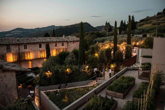 Well+Travelled+Bride+Italy+Honeymoon+Nun+Assisi+Relais+&+Spa.jpg