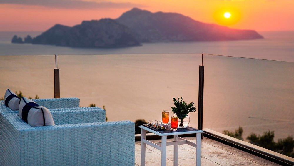 Well+Travelled+Bride+Italy+Honeymoon+Relais+Blu+Sorrento+3.jpg