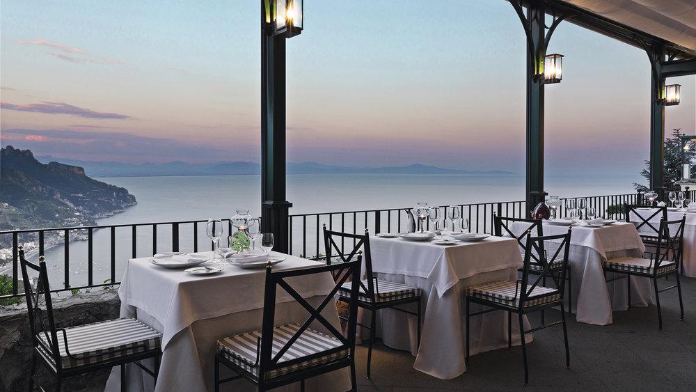 Well+Travelled+Bride+Italy+Honeymoon+Rossellini's++Restaurant+Ravello.jpeg