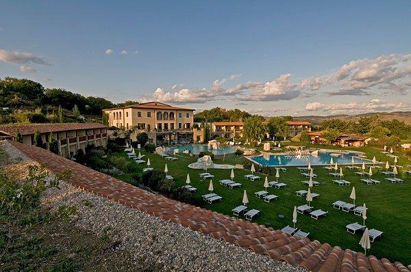 Well+Travelled+Bride+Italy+Honeymoon+Adler+Thermae+Resort+&+Spa1.jpg