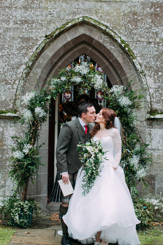 Well+Travelled+Bride+Scottish+Highland+Guide+Destination+Weddings+Hays+Flowers.jpg