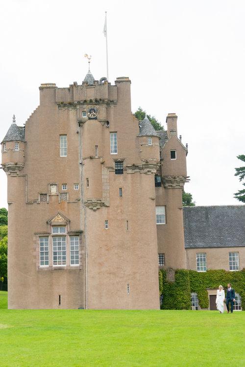 Well+Travelled+Bride+Taylor+Made+Wedding+Destination+Planner+Scotland+Castle.jpg
