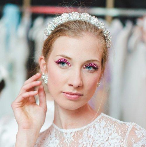 Well+Travelled+Bride+Bride+Headpiece+Rienne+Budapest2.jpg
