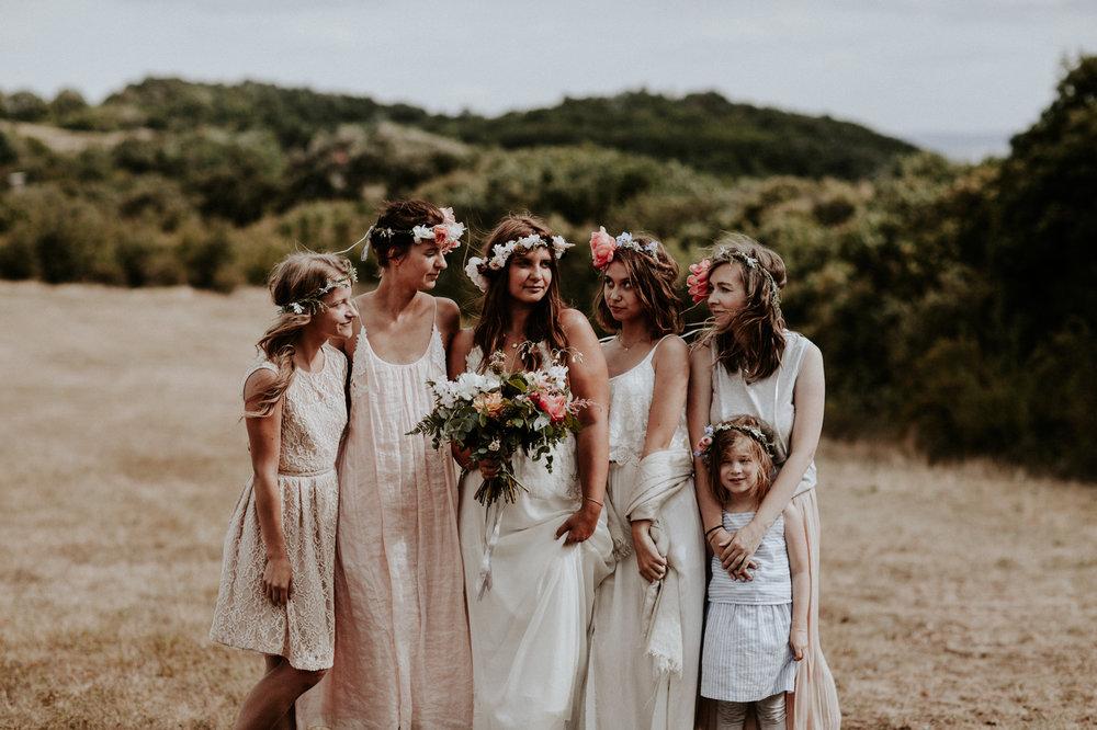 Well+Travelled+Bride+Budapest+Destination+Photographer+Pinewood+Weddings+Bride.jpg