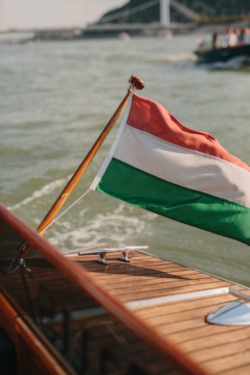 Well+Travelled+Bride+Danube+River+Dunarama+Stylish+Boat.jpg