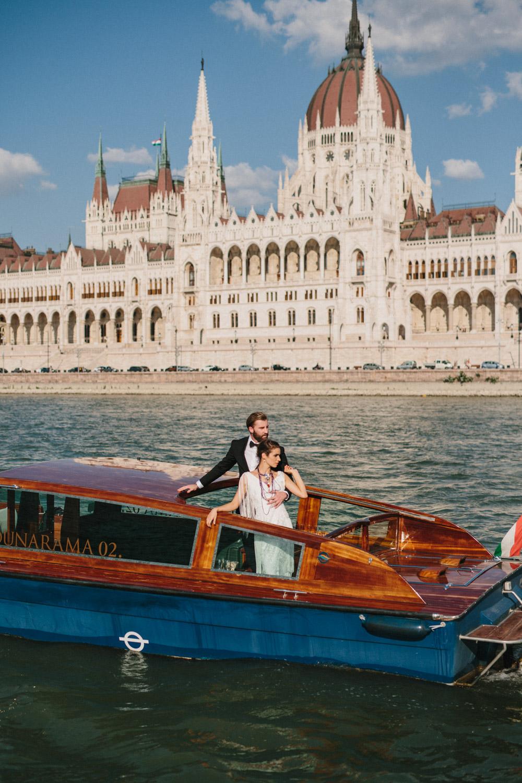 Well Travelled Bride Wedding on Danbue Budapest Dunarama.jpg