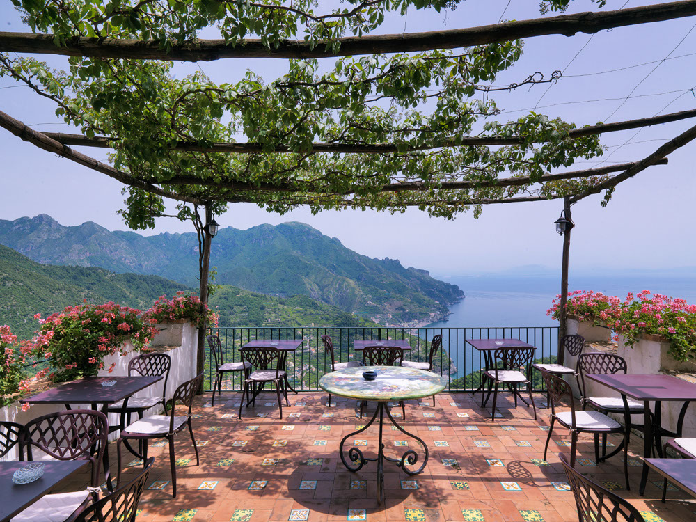 3 Well Travelled Bride Honeymoon Guide Ravello Hotel Parisfal.jpg