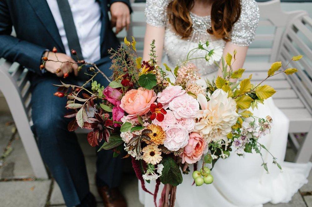 4 Well Travelled Bride Pyrus Botanicals Scottish Highlands destination Wedding florist.jpg