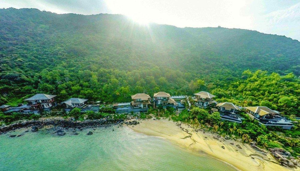 Well Travelled Bride Intercontinental Da Nang Sun Peninsular Resort.jpg