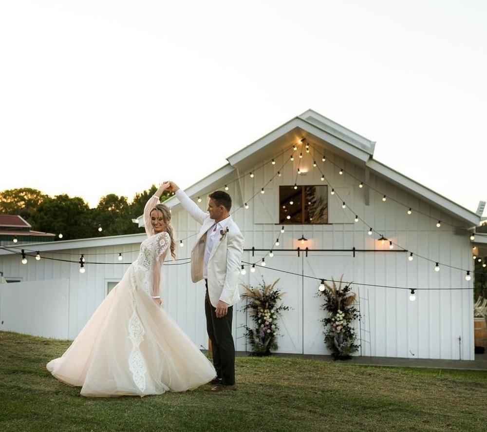 4 Well Travelled Bride Summergrove Estate Wedding Venue Byron Bay.jpg
