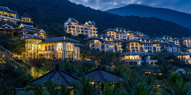 3 Well Travelled Bride Destination Honeymoon Dream Intercontinental Danang Vietnam.jpg