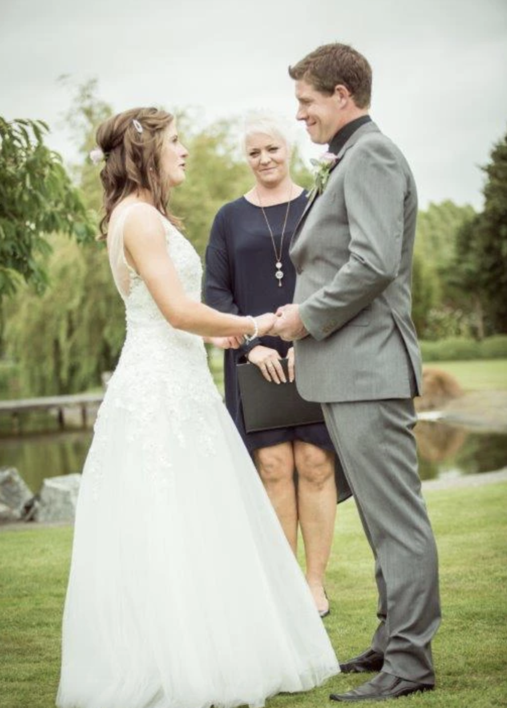 4 Well Travelled Bride Sharyn Payne Wedding Celebrant Wanaka.png
