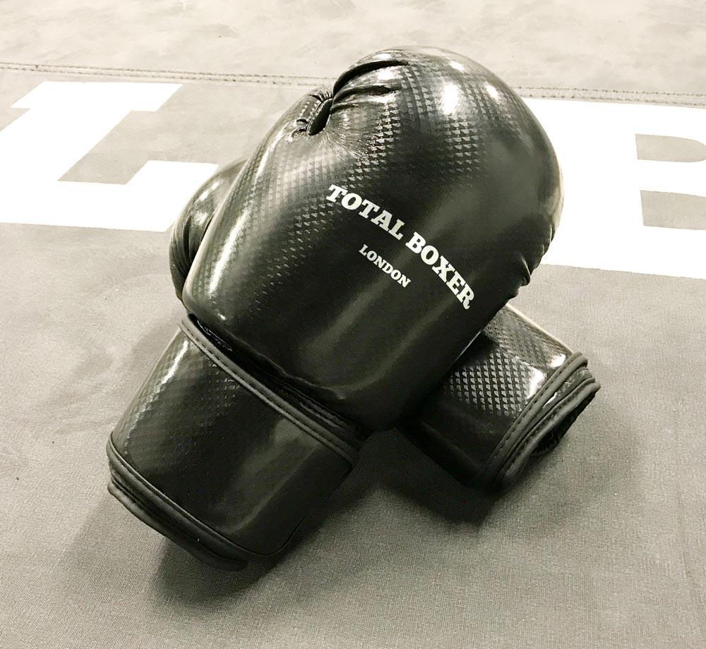 Total Boxer 'Black Diamond' Boxing Gloves. Sexy.