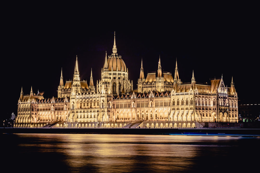 Hungarian Parliament: Night 10 sec. @ f/14 ISO 100 67mm