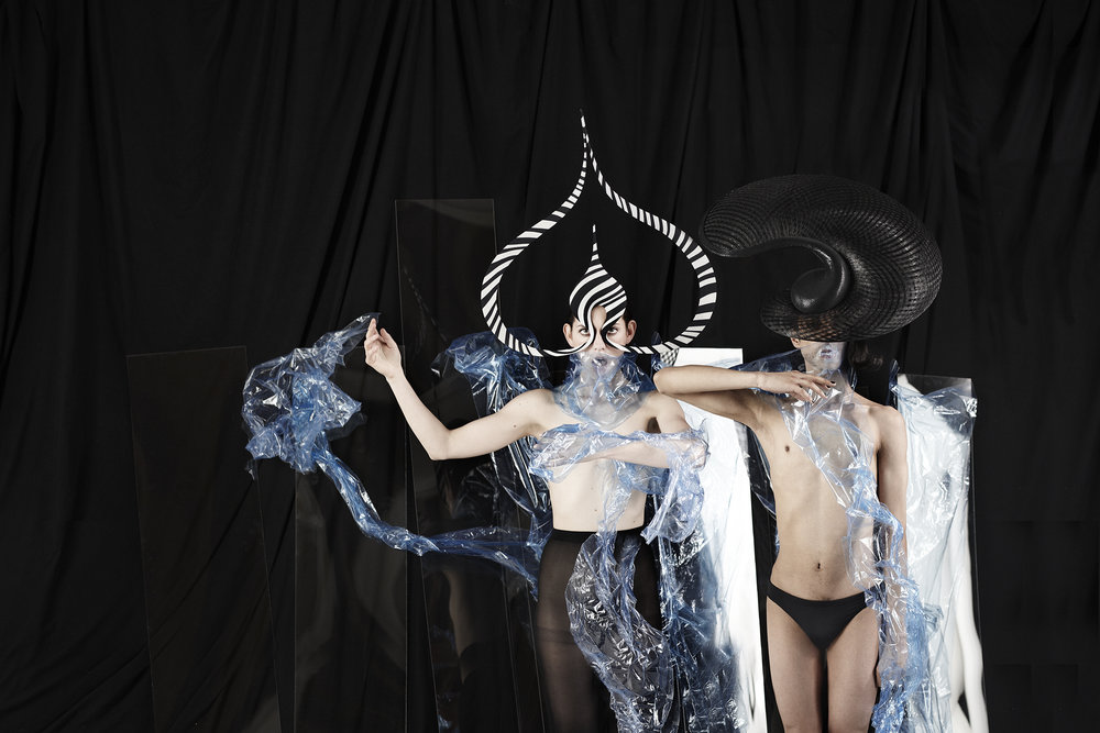 Philip Treacy, photo John Tsiavis 9