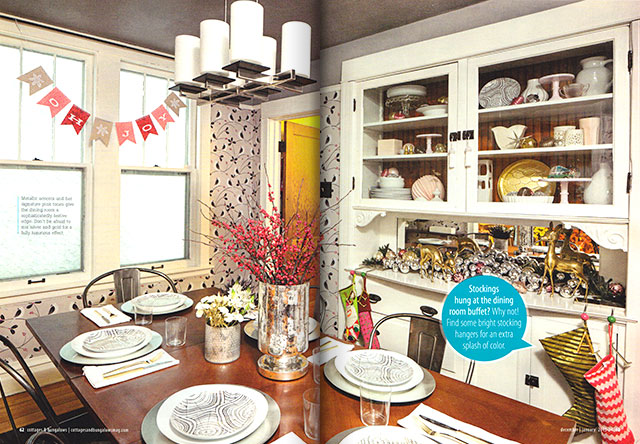 CottagesandBungalows-ChristmasMagazineSpread03.jpg